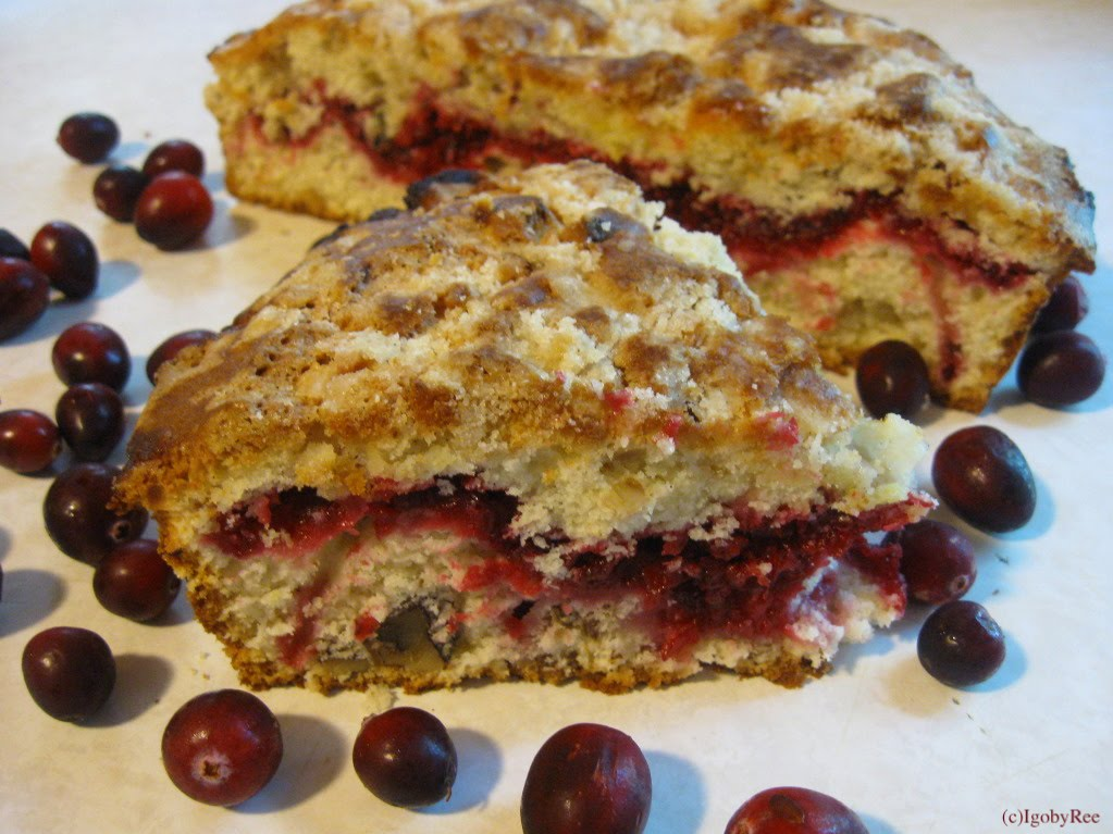 ... and Love: Lee's Cranberries & Cranberry Walnut Vanilla Coffee Cake