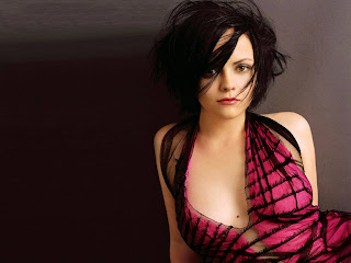 Christina Ricci-wallpapers,photos,biography,pics