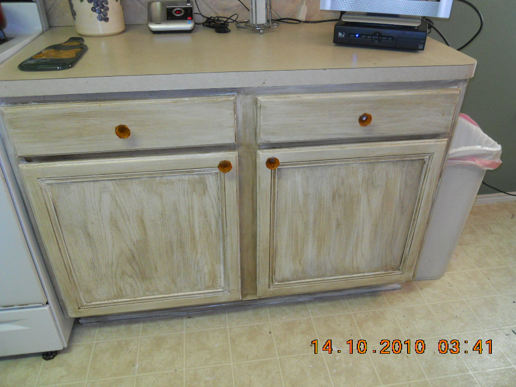 Kitchen Cabinets ~ Finally Finished AND They Now Have Knobs