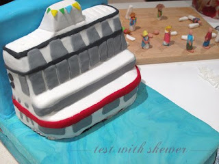 more sugarpaste boat