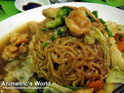 Hong Kong Style Fried Noodles at Asya Restaurant