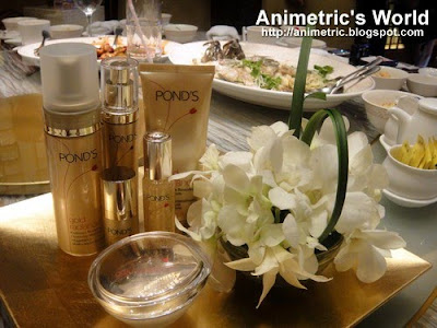 Pond's Gold Radiance complete product line