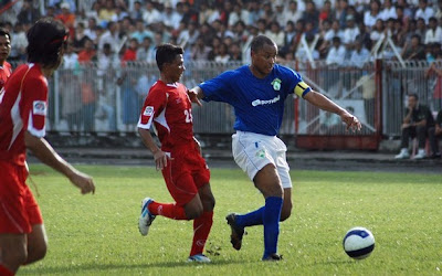 >Burmese and Brazilian footballers play for Cyclone Nargis victims