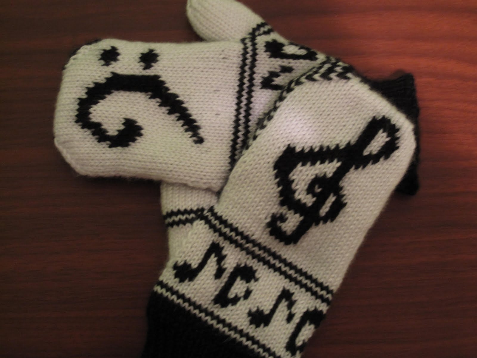 Dolce Knitting Piano Hands