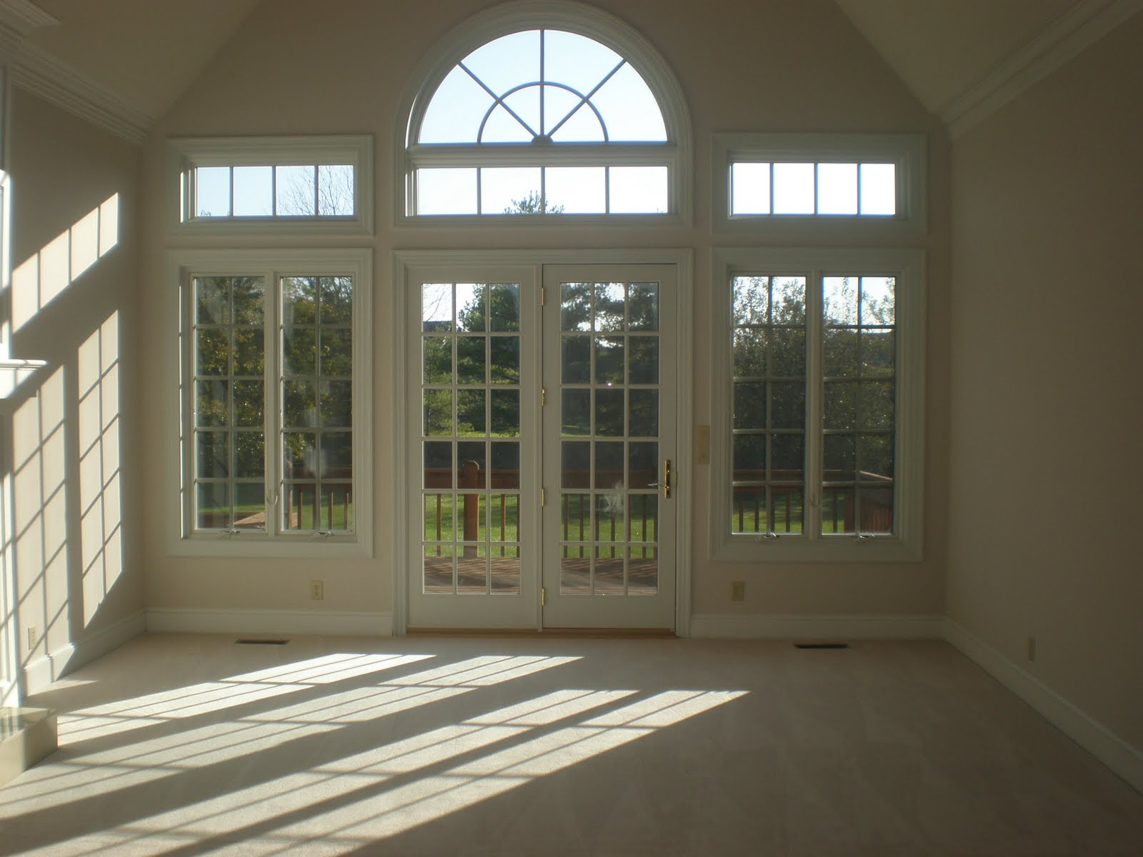 8 foot tall french wood swing door.. Special installation procedure used to minimize any toxins the the home due to home owner health ... & CASEMENT WITH TRANSOM AND CIRCLE TOP | dallas-beewindow