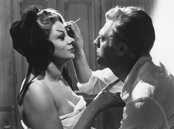 FELLINI OCHO Y MEDIO (1963)