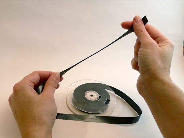 Поделки из магнитофонных лент для детей