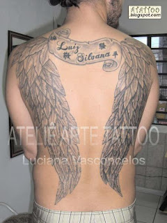 Asas Tatuada nas Costas