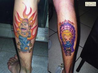 Menino e menina New School tatuados na perna.