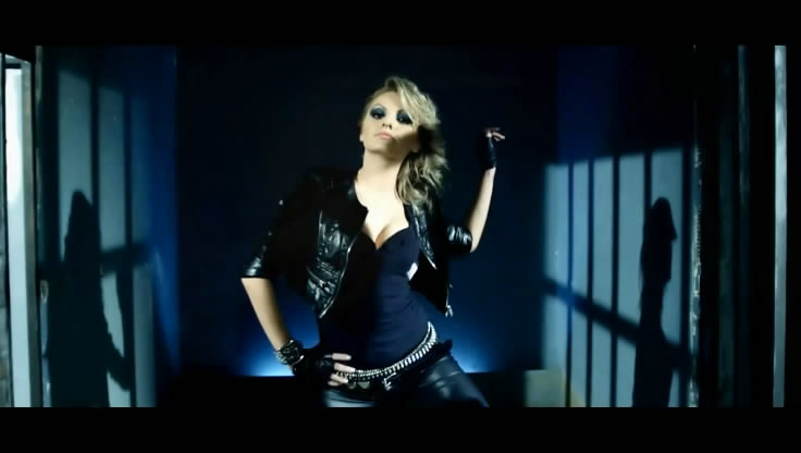 Images/Picture Alexandra Stan Mr. Saxo Beat in Concert