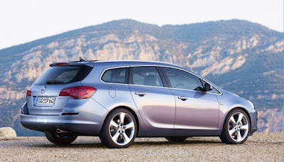 2010 2011 Opel Astra Sports Tourer reviews and Specification