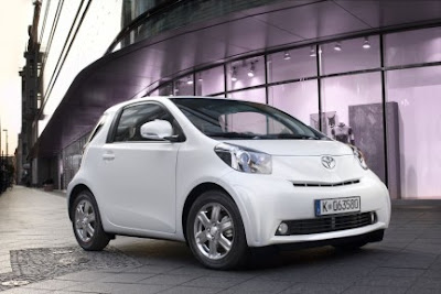 New Toyota IQ 2010 2011 : Images and Reviews