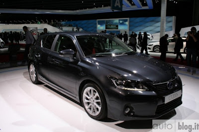New 2011 Lexus CT200h Reviews and Specs