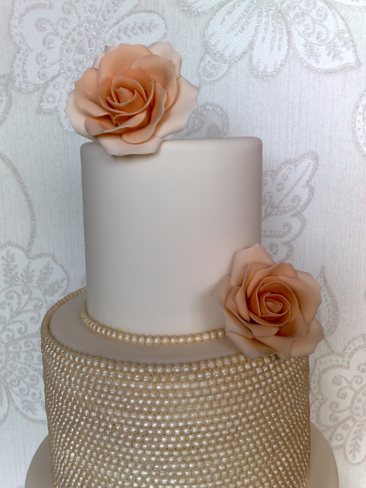 Small Things Iced Vintage Pearl & Rose Wedding Cake