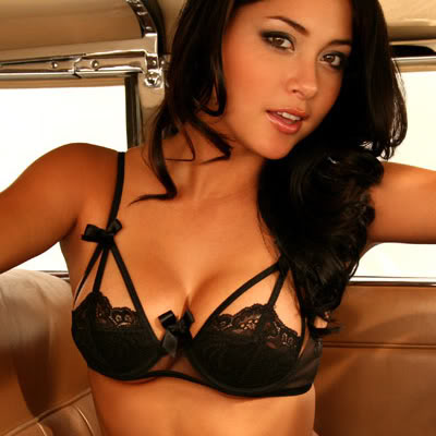 Gay test if you can look at arianny celeste without getting a boner
