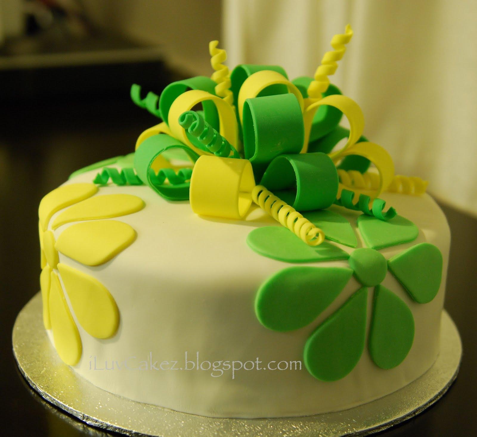 iLuv Cakez: Misato's 12th Birthday Cake (Green & Yellow Bow)