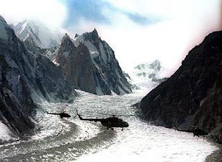 http://1.bp.blogspot.com/_njY8QnnrVV4/RowHZOGusAI/AAAAAAAAAWg/Zbk7uxIbCRs/s320/Siachen+Glacier1.bmp