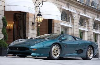 Jaguar XJ 220 París