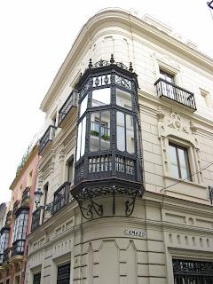 Eclecticismo en la calle Castelar