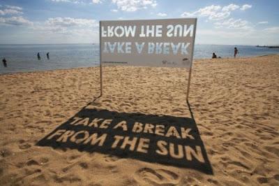 Mensaje óptico en la playa