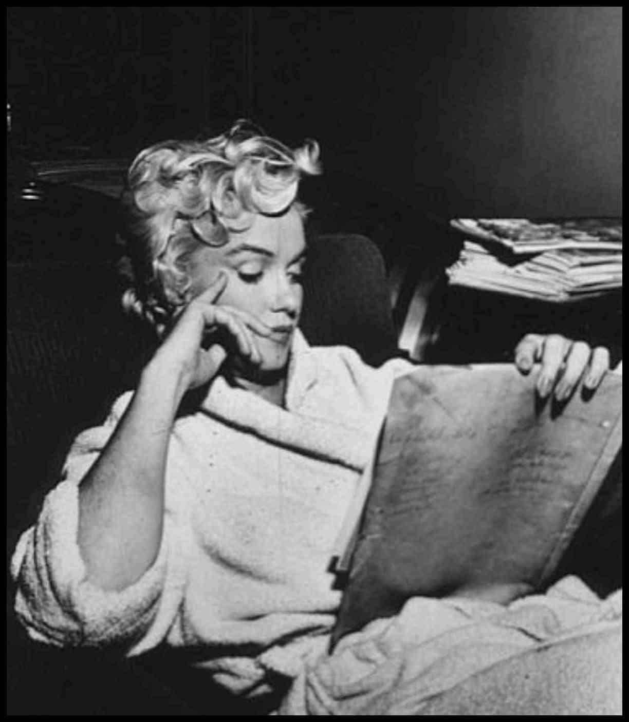 Marilyn Reading a Book Marilyn Monroe Reading