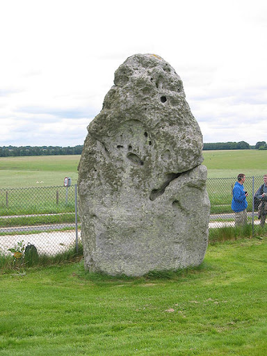 http://1.bp.blogspot.com/_nn3r_M0gve8/TFWPu1eDgAI/AAAAAAAAArU/8LJvESCCyzo/D-3-Stonehenge_Heelstone.jpg