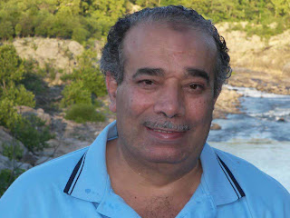 أحمد صبحى منصور في الولايات المتحده حيث يعيش لاجىء من النظام المصرى