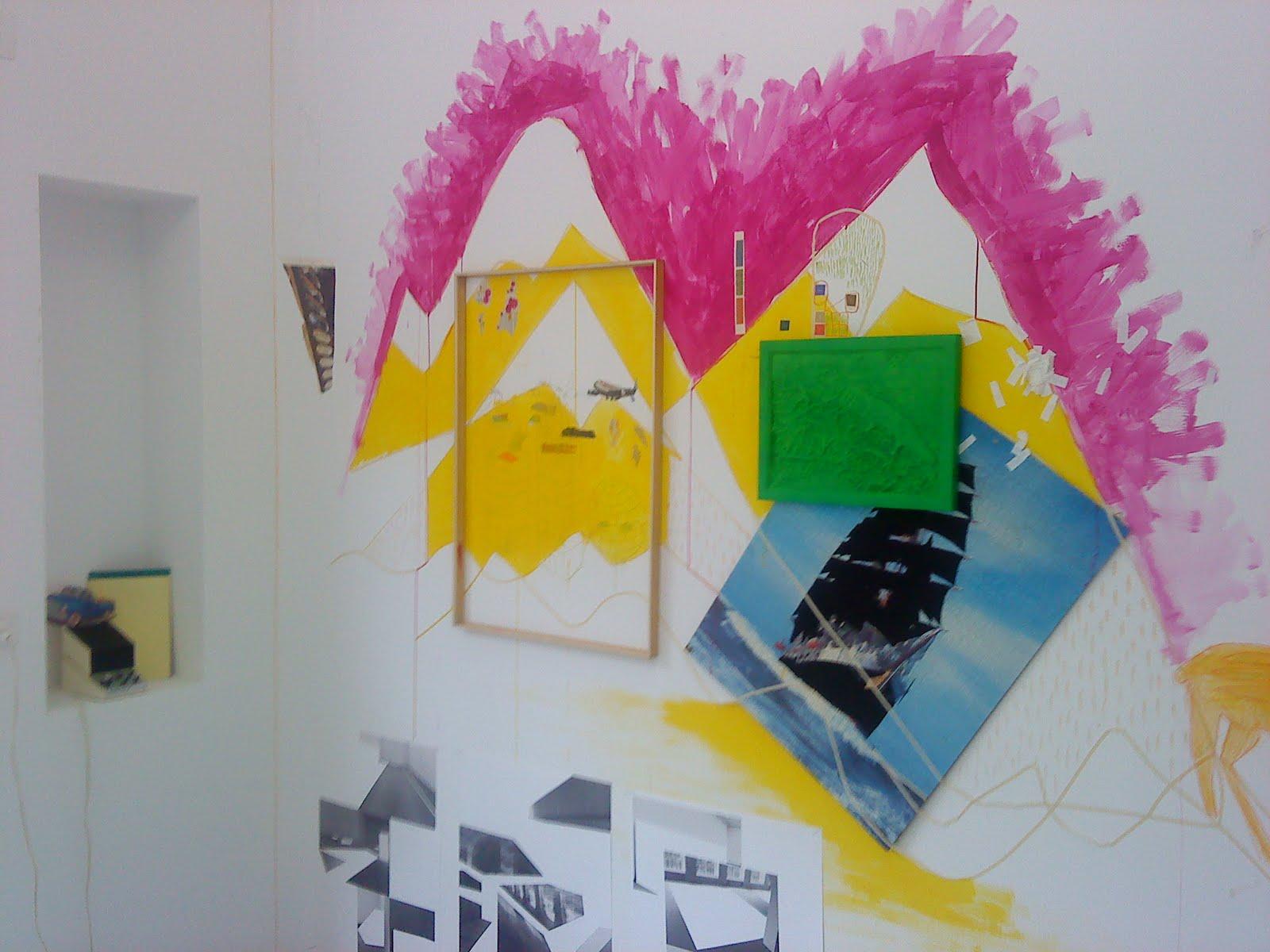 espacechallens13 perroquet tout s 39 ecroule l 39 exposition et perdue dans la foret. Black Bedroom Furniture Sets. Home Design Ideas