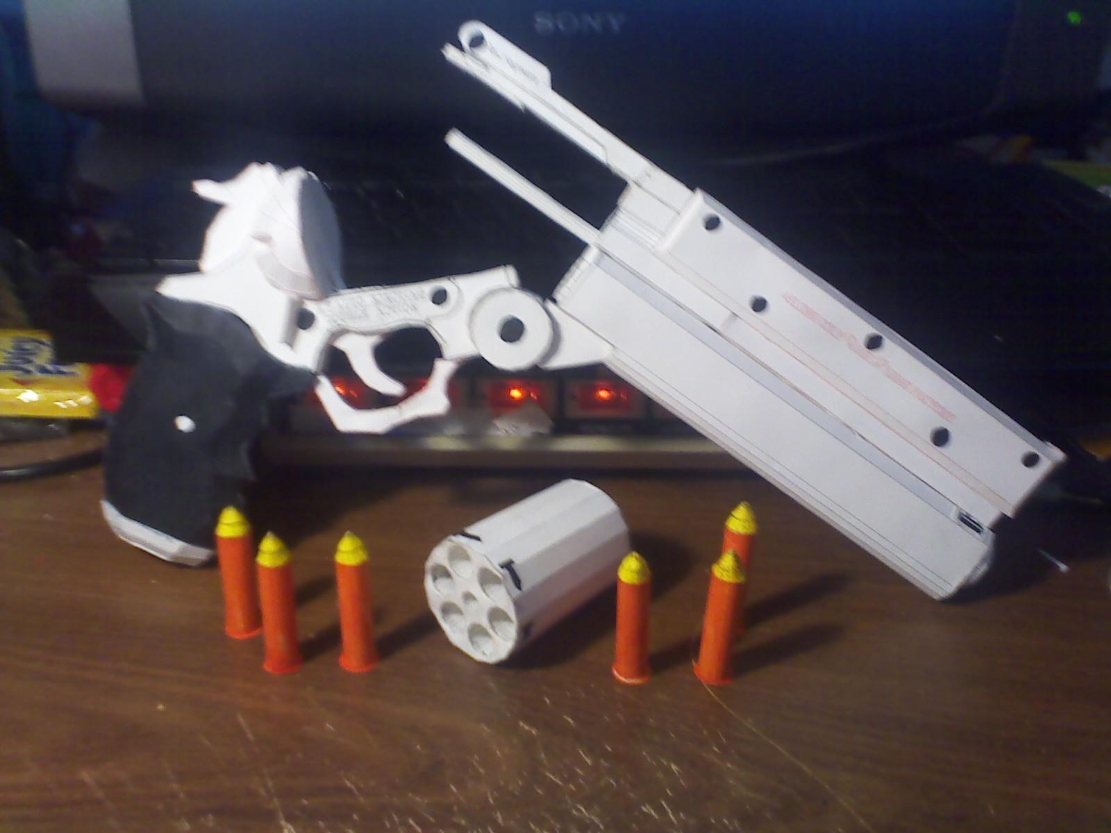 Drummerthing\'s Papercraft and Blog: Vash\'s Revolver