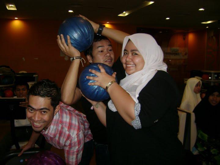 [bowling+12]