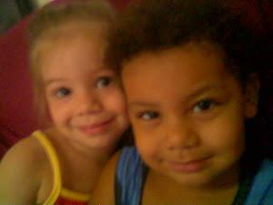 Meus sobrinhos fofos e bagunceiros