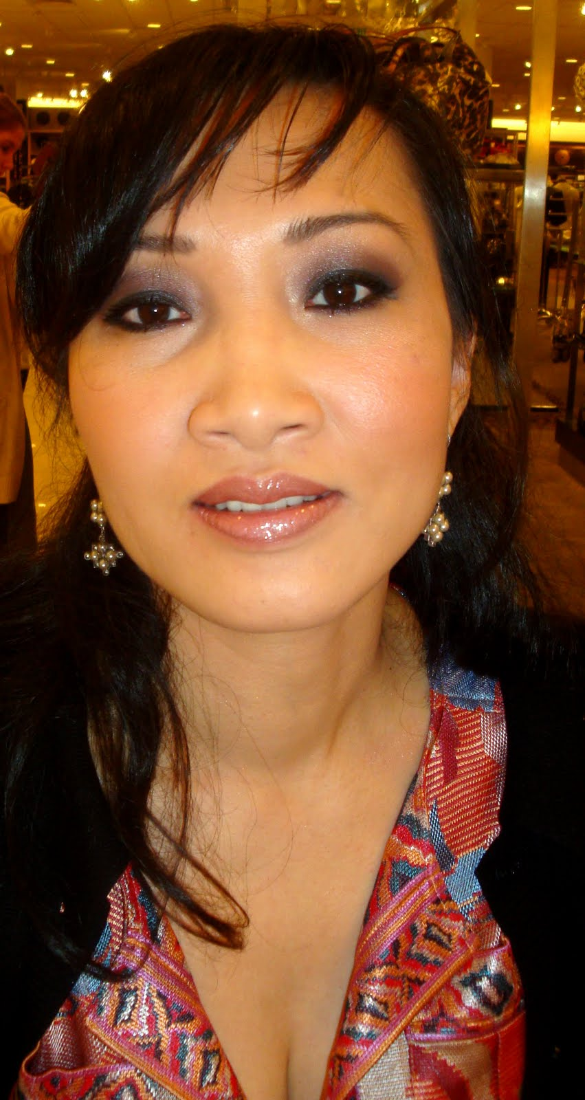 morning makeup call: transmokey asian eye makeup by: darais and maria