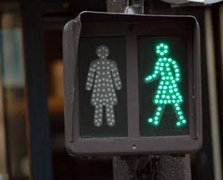 Semáforo peatonal de mujeres