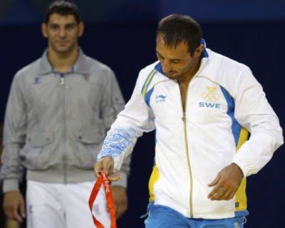 Sueco Ara Abrahamian abandona sua medalha de bronze