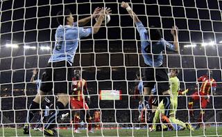 Uruguay versus Ghana en Sudáfrica 2010. La atajada de Luis Súarez