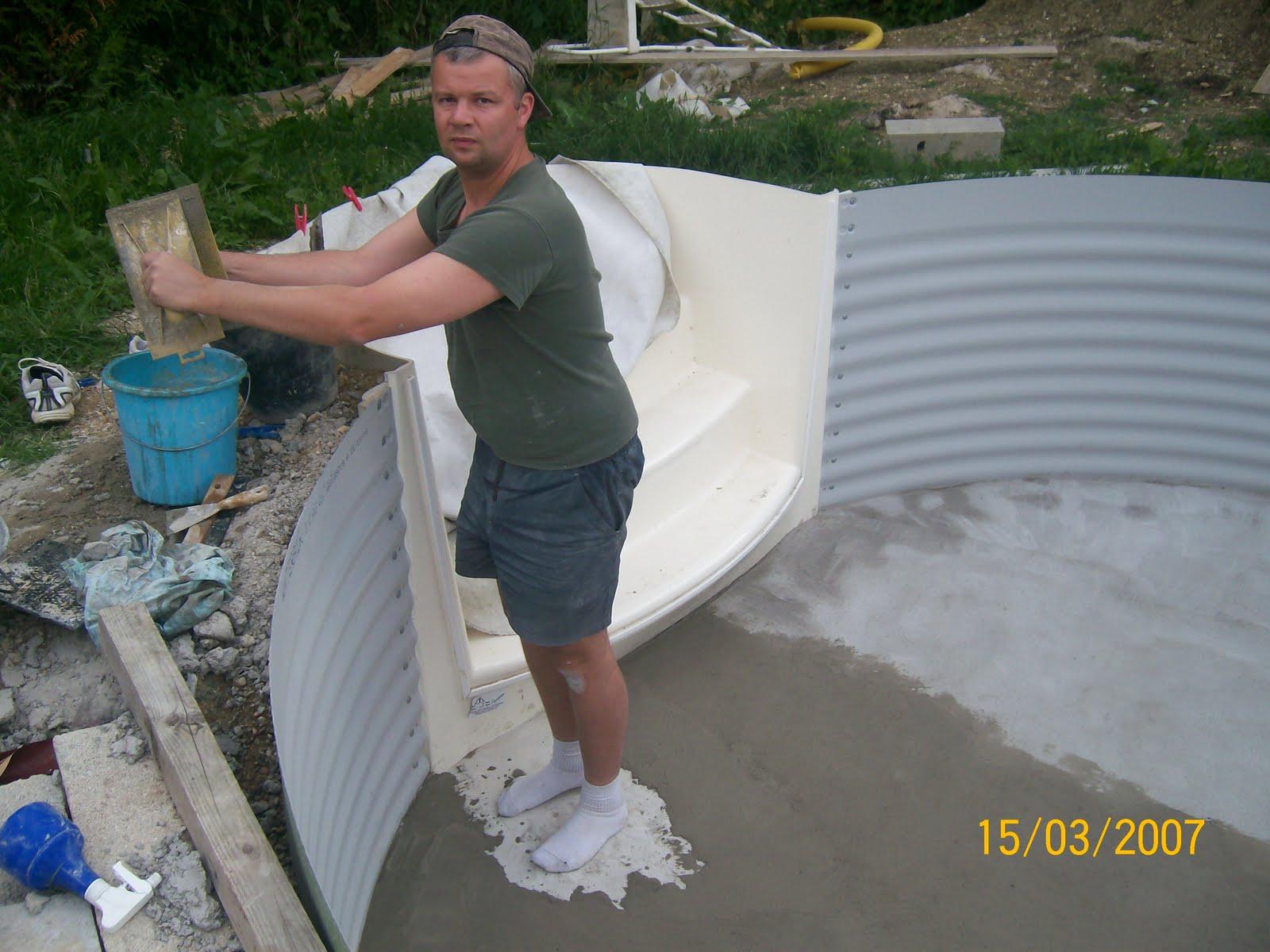 Notre olivia waterair montage etc radier suite et for Remplacement liner par resine piscine