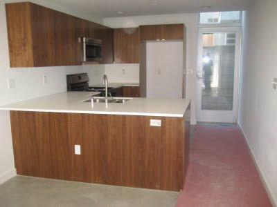 140 S Gramercy Windsor Square - Kitchen