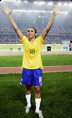 Marta Vieira da Silva - Jogadora de futebol - É considerada a melhor do mundo - Nasceu em 1986
