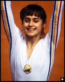 Nadia Comăneci - Ex-ginasta romena - Ídolo mundial esportivo - Nasceu em 1961