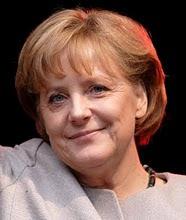 Angela Merkel - Chanceler Alemã - Única mulher presente no G8 - Nasceu em 1954