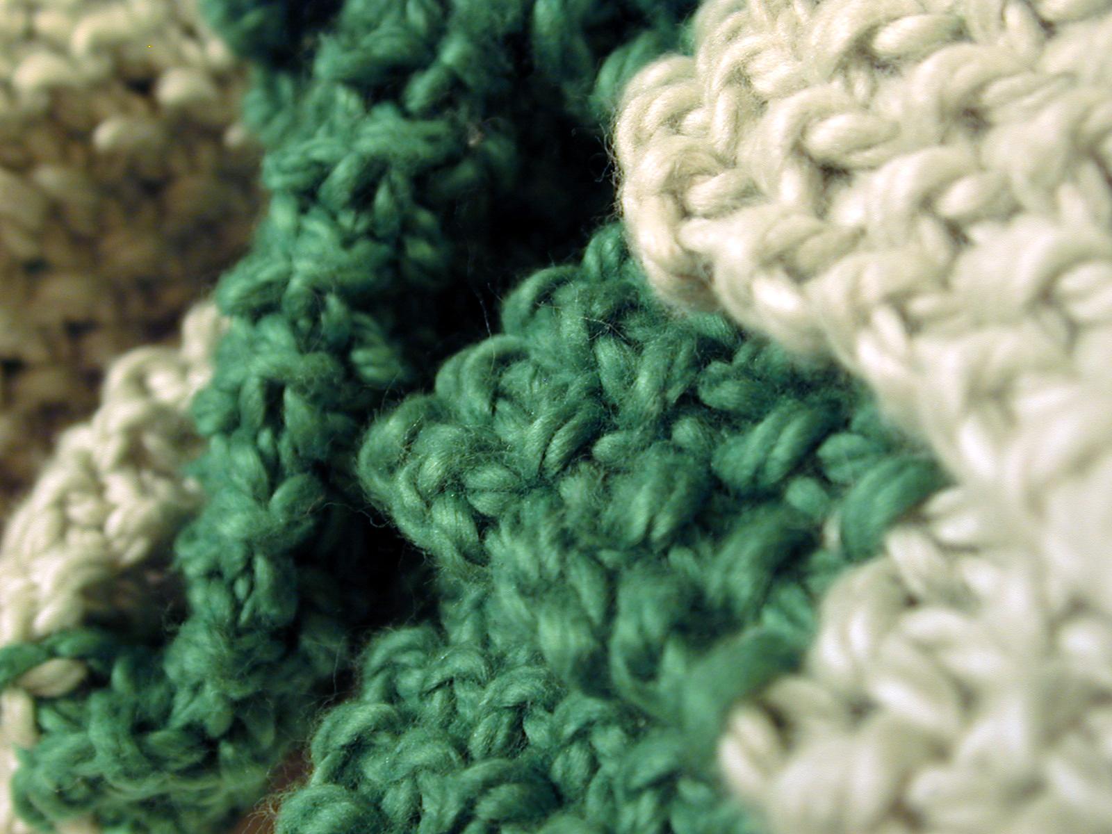 [green_scarf+006.jpg]