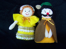 A3. Boneka Ibu Bapak