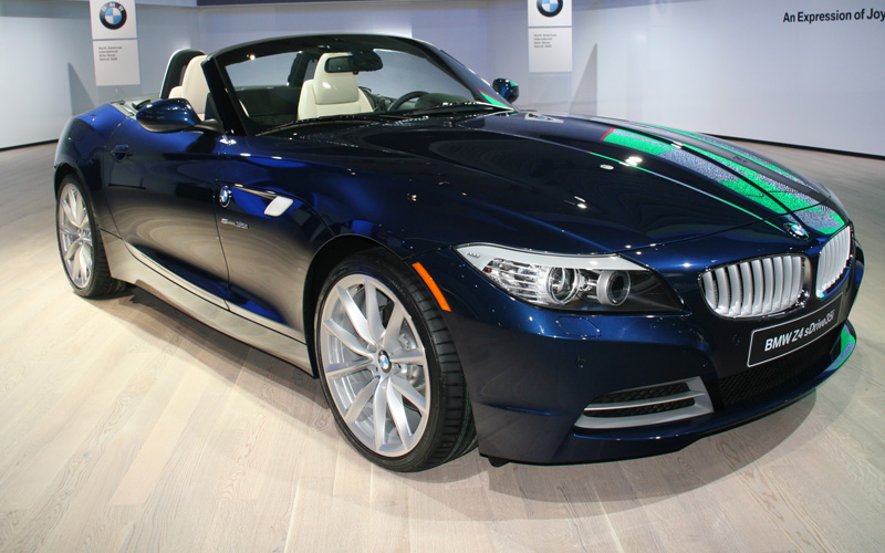 BMW India has rolled its BMW Z4 2009 sports car in the country.