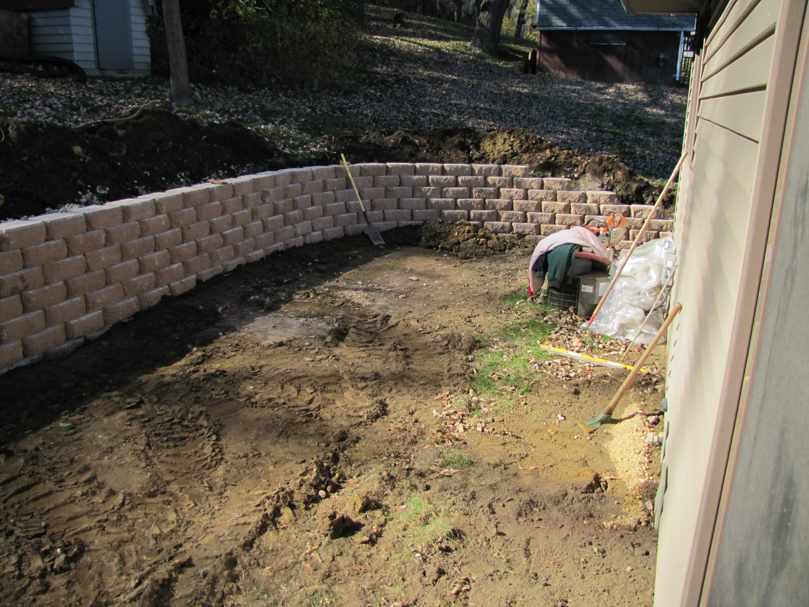 sustainably chic designs backyard makeover day 2 progress