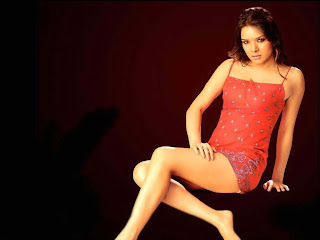SuperHot Udita Goswami wallpaper