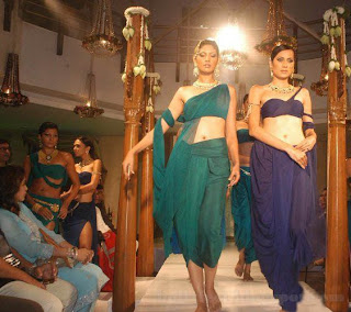 Hot indian models in traditional dress