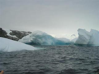 De eerste ijsbergen.