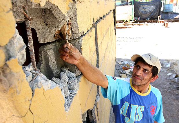 Piden demoler 27 edificios con bloques rellenos con papel.