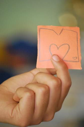 Ama-me com a tua mão esticada para fora ...