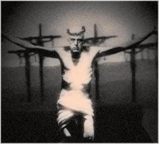 http://noitesinistra.blogspot.com.br/2012/10/aleister-crowley-o-papa-do-ocultismo.html